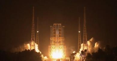 Chang'E-5 en route vers la Lune